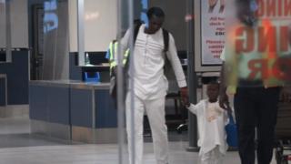 Ethan Suglo alipowasili katika uwanja wa ndege nchini Ghana kutoka Uingereza