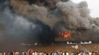 Eight bogies of Ratnachal Express were set on fire by Kapu protesters in Andhra Pradesh