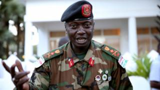 Gen Badjie avuze ivyo mu gihe ibihugu bibanyi bimenyesha ko bishobora gufatira Gmabi ingingo za gisirikare.