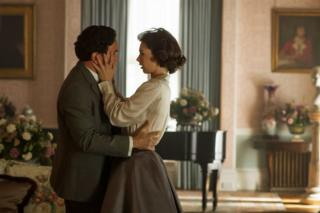 Ben Miles and Vanessa Kirby as Peter Townsend and Princess Margaret in The Crown