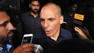 Yanis Varoufakis arrives at the ministry of finance in Athens (6 July 2015)