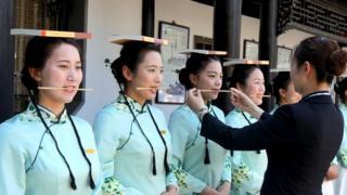 فتيات في مسابقة مدرسية في الصين