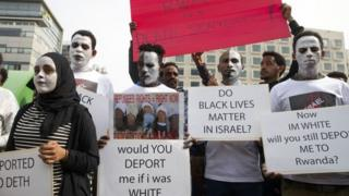 Protesters in Israel against the plan to deport African migrants