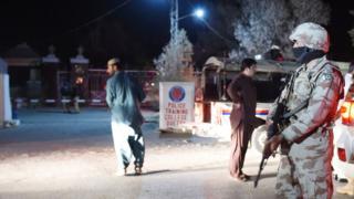 警察学校の宿泊施設が襲撃された(24日、パキスタン・クエッタ)