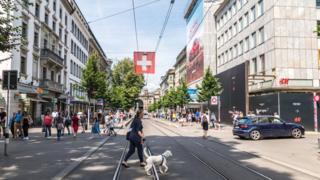 Rua em Zurique, na Suíça