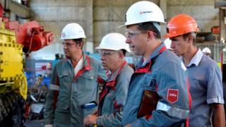 сотрудники шахты