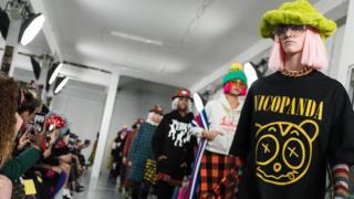 Topshop作為英國快時尚的代表,怎麼缺席倫敦時裝周?!以街頭文化為表現形式的Nicopanda和Topshop代表的時尚精神如出一轍。