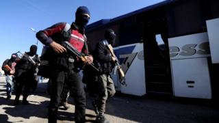 Участники вооруженных формирований оппозиции покидают Хомс