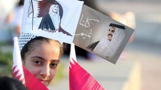 قطرية مؤيدة لحكومة بلدها في النزاع مع الدول المقاطعة