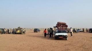 Sahra Çölü'nde göçmenler