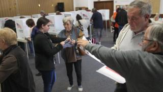 избирательный участок в Калифорнии