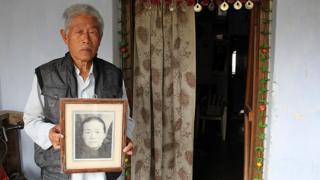 वांग की शादी 1975 में सुशीला से हुई