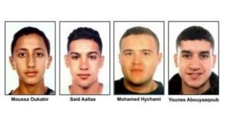 نشرت الشرطة في وقت سابق صور المشتبه بهم