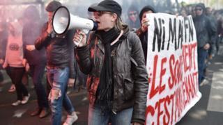Marchers in Nantes, 27 April