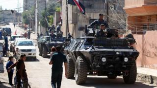 مركبات عسكرية عراقية تتجه نحو غرب الموصل
