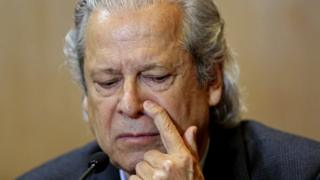 Jose Dirceu, gestures during a hearing of the parliamentary committee of the Petrobras investigation in the Federal Justice court, in Curitiba on August 31, 2015.