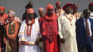Des notables de la région du Delta du Niger, le fief de l'industrie pétrolière nigériane