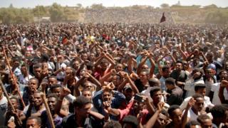 Supporters of Bekele Gerba, secretary general of the Oromo Federalist Congress (OFC), chant slogans to celebrate Gerba's release from prison, in Adama, Oromia Region, Ethiopia February 14, 2018