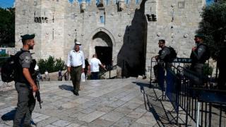 Des milliers de Palestiniens ont célébré la fin de ce qu'ils considéraient comme une intensification inacceptable du contrôle israélien.