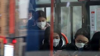 15일 서울 시내에는 마스크를 착용한 시민들을 쉽게 볼 수 있었다