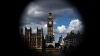 Saacadda Big Ben waxa ay ka mid tahay astaamaha rasmiga ah ee London