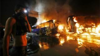 Durante las protestas fueron quemados varios autobuses y otros vehículos en el centro de Río de Janeiro.