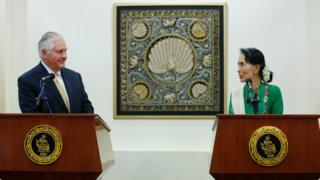 US Secretary of State Rex Tillerson (L) and Myanmar State Counsellor Aung San Suu Kyi (R) attend a joint press conference after their meeting at the Ministry of Foreign Affairs in Naypyitaw, Myanmar, 15 November 2017