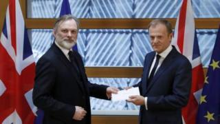 Tim Farrow ve Donald Tusk