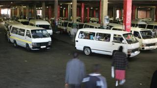 Teksi za mabasi madogo mjini Johannesburg