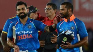 शिखर धवन और विराट कोहली के बीच दूसरे विकेट के लिए नाबाद 197 रनों की साझेदारी हुई