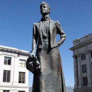 Cerflun o Martha Hughes Cannon yn Utah