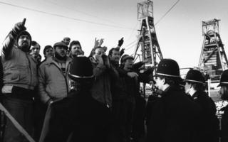 Miners being monitored by the police in 1984