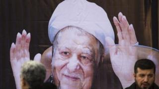 A banner depicting former Iranian President Akbar Hashemi Rafsanjani (10 January 2016)