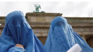 เยอรมนี ยังไม่ได้ออกกฎหมายห้าม สวมผ้าคลุมของสตรีมุสลิมอย่างเต็มรูปแบบ โดยยอมรับว่าจะเป็นการละเมิดรัฐธรรมนูญ
