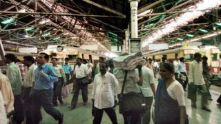 কাজের খোঁজে বহুদিন ধরেই পশ্চিমবঙ্গের মুসলিমরা মুম্বাইতে যান