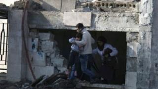 """دراسة: مقتل أكثر من 800 موظف صحي في""""جرائم حرب"""" في سوريا"""