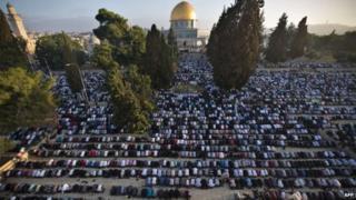 Masaajidka barakaysan ee Al Aqsa ayaan maanta lagu tukan doonin saaladda Jimcaha