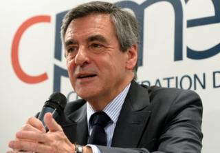 曾在这次法国大选中遥遥领先的菲永,因为面临贪污指控的调查,而失去了许多的支持。