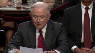 وزير العدل الأمريكي جيف سيشنز يدلي بشهادته أمام لجنة الاستخبارات بالكونغرس الأمريكي