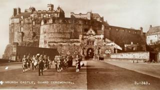Late postcard sent from Edinburgh to Garstang