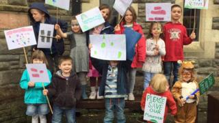 Young supporters at the protest