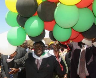 Mugabe atatimiza miaka 93