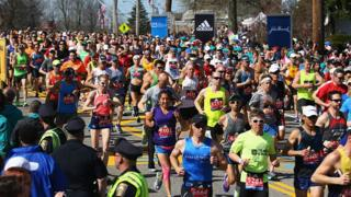 A general view as Wave One runners start the 120th Boston Marathon on April 18, 2016 in Hopkinton, Massachusetts