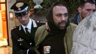 Man held for 'mafia' attack on Italian Rai TV crew - BBC News