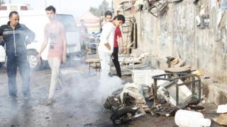 バグダッドのサドル・シティーで自爆攻撃が相次いだ(28日)