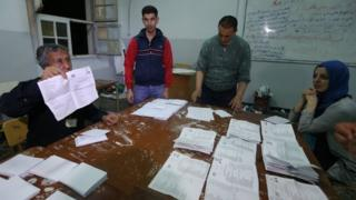 Electoral officials count votes in Algiers. Photo: 4 May 2017