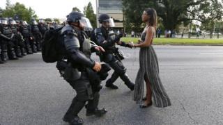 Протистояння з поліцією під час мирного протесту