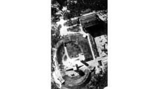 На фото, сделанном с воздуха британскими Королевскими ВВС, - полигон Пенемюнде