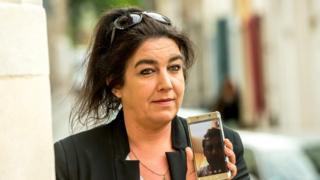 Béatrice Huret duruşmadan önce İranlı sevgilisiyle konuştu