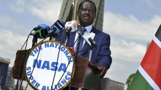 Un porte-parole de la coalition de l'opposition a déclaré que les données confidentielles montrent que Raila Odinga devance le président sortant Uhuru Kenyatta, d'environ un million de voix.